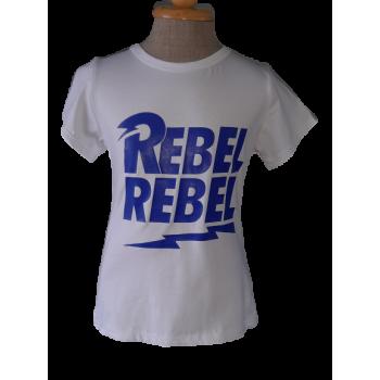 wit shirt met blauwe REBEL tekst