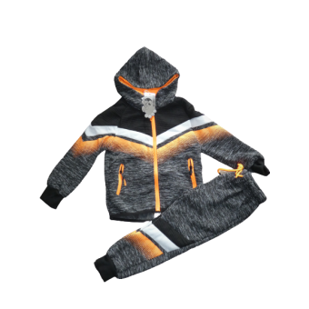 Stoer grijs met fluor oranje joggingpak